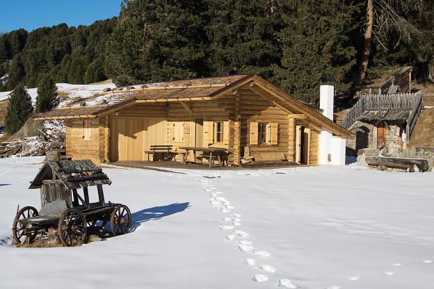Ausbau alpiner Showroom mit besonderer Heizungsanlage